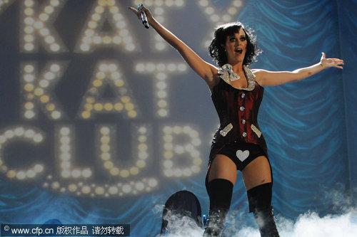 图文:2009MTV欧洲音乐大奖--凯蒂佩里高歌