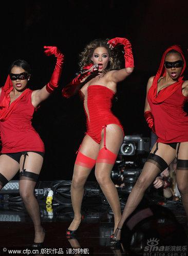 图文:2009MTV欧洲音乐大奖--碧昂斯大秀S曲线