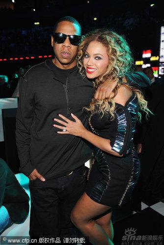 图文:2009MTV欧洲音乐大奖--Jay-Z碧昂丝夫妇