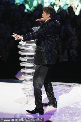 图文:大卫-哈塞尔霍夫尽情耍宝-现场模仿秀