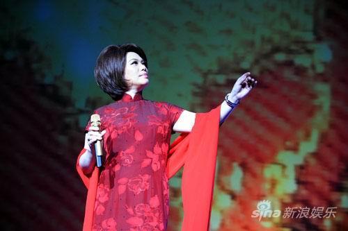 蔡琴深圳遭遇男歌迷示爱广州个唱压轴(组图)