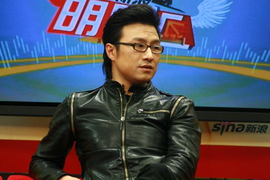 图文:汪峰聊北京个唱-汪峰称国内缺乏软件和人