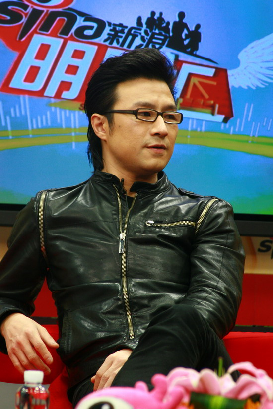 图文:汪峰聊北京个唱-汪峰称并非砸吉他才能表达极致