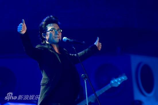 图文:汪峰北京演唱会--为信仰叫好