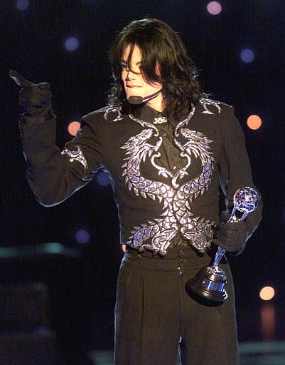 新浪娱乐讯 北京时间2009年6月26日凌晨,天王巨星迈克尔-杰克逊