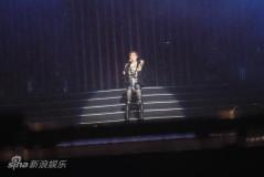 刘德华黎明领衔东亚演唱会陈冠希重返舞台(图)