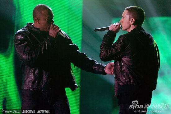 格莱美现场 Dr.Dre与阿姆合作