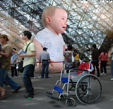 """这个轮椅的主人真的是""""长时间健步如飞"""""""
