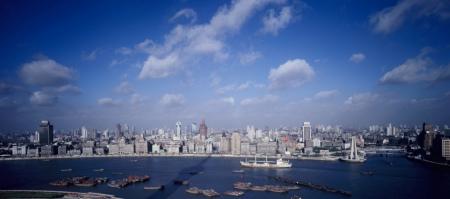 二十年前的秋天,上海外滩,正在崛起的城市天际线。PHOTO BY LUJIE