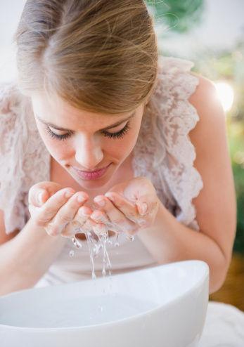 早秋敏感季 你的脸洗对了吗