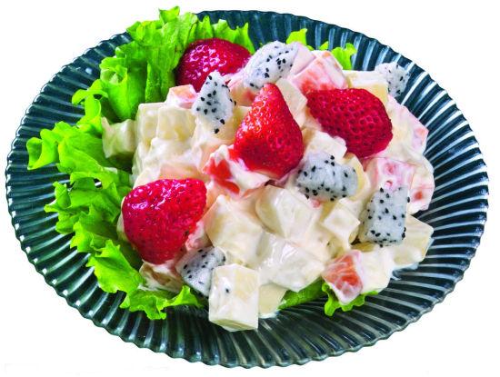 草莓鲜果沙拉