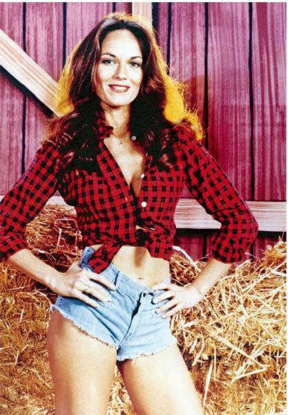 《正义前锋》的主演凯瑟琳・巴赫掀起了一股牛仔热裤潮