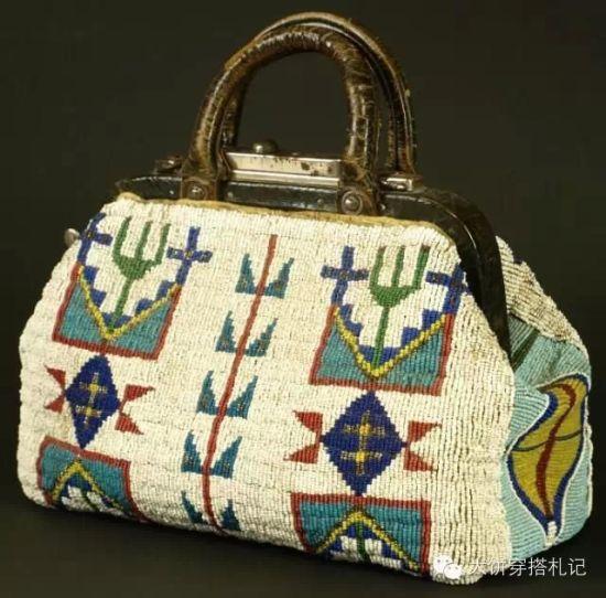 Lakota beaded doctors bag 1890