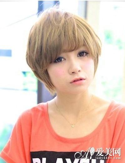 浅棕齐刘海短发   适合脸型:瓜子脸,鹅蛋脸,长脸   中性风的学生妹