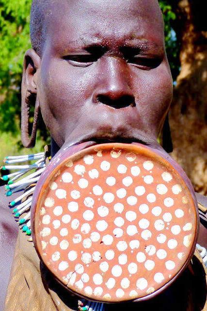 非洲禁地少女的震撼成人礼