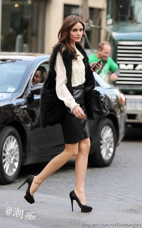 白衬衫马甲_凯特王妃白衬衫马甲长靴帅气十足环球时装