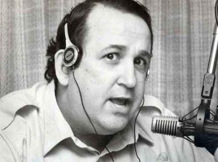 上世纪的整个80年代,Jack一直在和著名的电台主持人Rogers恶斗