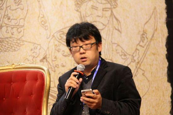 微博基金高级投资经理吴江担任投资者座谈会主持人