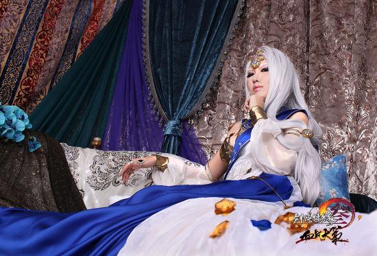 霸气女王范-剑网3 玩家COS女王范反派Boss图片