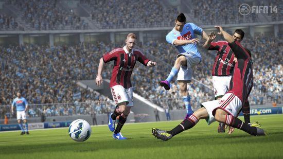 《FIFA 14》游戏截图 (15)