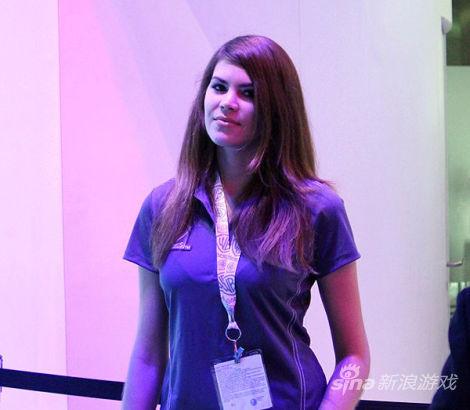 E3 2014:华纳游戏展区美女工作人员
