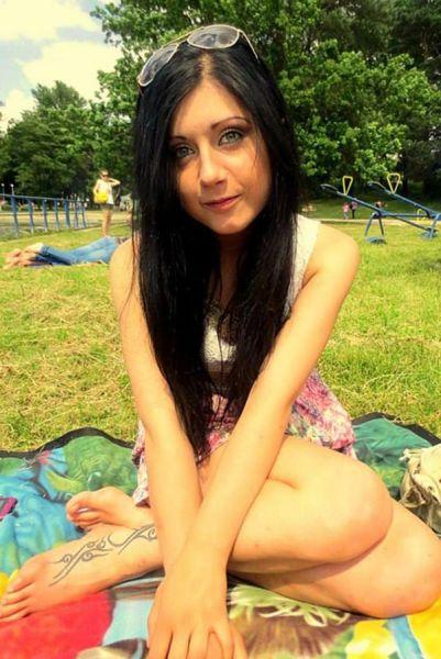 波兰23岁美女不慎坠桥致死