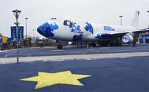 CFPL S6盛宴1.17揭幕 CF主题波音客机空降现场