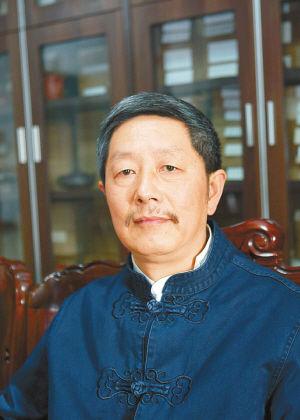 蒋庆,字勿恤,号盘山,男,1953年10月生,祖籍江苏徐州,出生、成长于贵州贵阳。