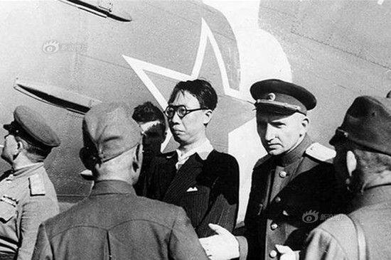 苏联红军将溥仪拘回苏联