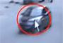 监控拍下轿车撞死2岁女童后逃逸国