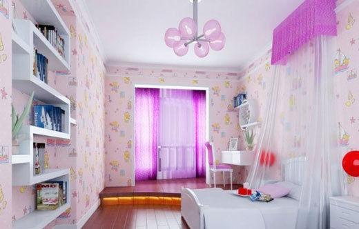 无论是钟的设计还是天花板上吊灯的设计都有着女孩的