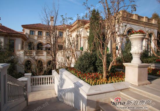 三江尊园采撷欧洲古典庄园精辟,传承法式优雅别墅气韵,典雅的欧式