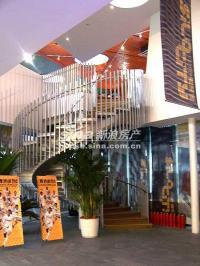 沿海・赛洛城 实景图 售楼处旋转扶梯
