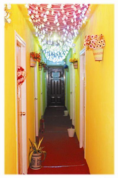图为:公寓被布置得很温馨-武汉爱情公寓月租350元 走出三对情侣