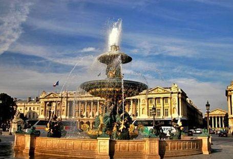大的社区欧式喷泉