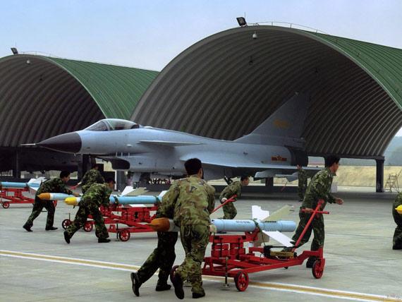 中国新型战机列装后实战演练中多次出现问题