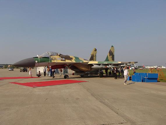 俄罗斯将为苏-35战机研制改进型发动机(图)