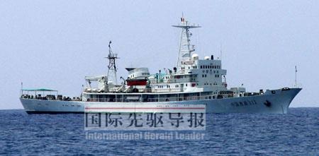 中国目前最大的渔政船――中国渔政311船,将担负起专属经济区巡航管理、西沙南沙中沙群岛的护渔护航、北部湾联合监管以及渔业突发事故的救援工作。农业部南海区渔政局/供图