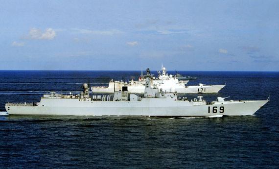 美国海军专家称中国海军南海舰队新型装备众多战斗力可观。