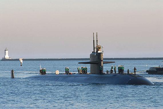 "SSN-688""洛杉矶""号是美国海军""洛杉矶""级核攻击潜艇首舰,于1976年服役。"
