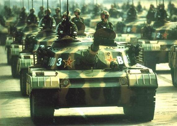 资料图:1999年国庆阅兵主战坦克方队