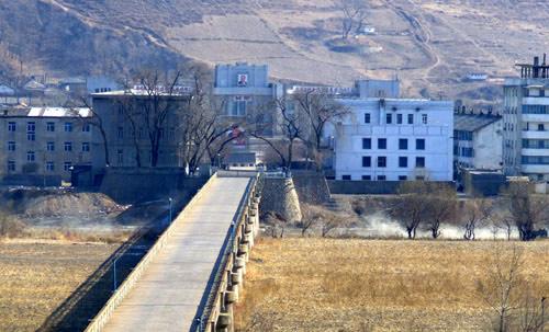 中国朝鲜边防军人互帮互助 非法越界事件降90%!!