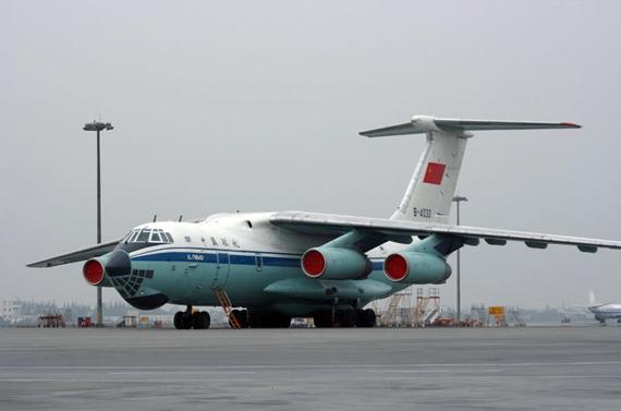2005年,中俄两国在索契达成的中方购买34架俄制伊尔-76运输机和4架伊尔-78加油机的合同