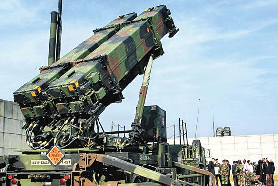 美国公司称将向台出售价值15亿美元武器(图)