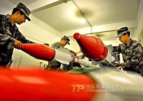 中国空军装备的R-27中距空空导弹