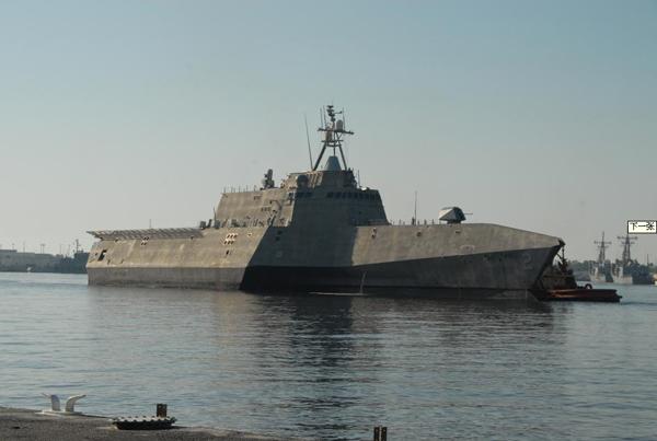 """解放军专家评析美国新版""""海军作战构想2010"""""""