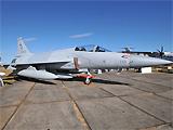 巴基斯坦空军枭龙加挂3个副油箱飞抵范堡罗