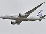 波音公司787梦想客机首飞海外亮相英国航展