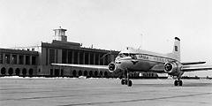 1958年3月首都机场启用