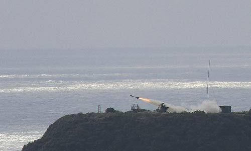 台军演习中共发射2枚车载剑一导弹